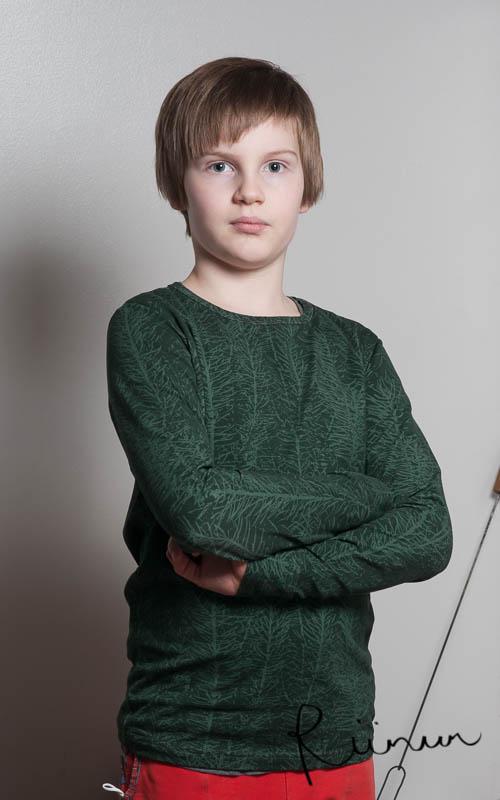 Paita Ainolan Havut- trikoosta.