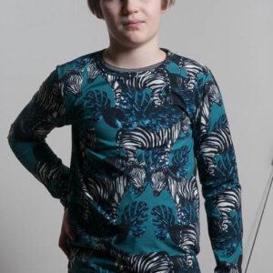 Trikoopaitoja 9-vuotiaalle